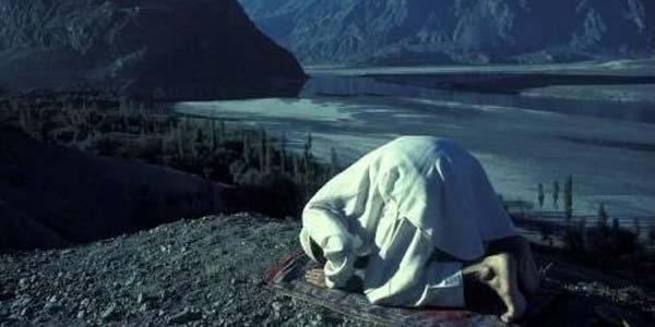 Ahli Fiqih Vs Ahli Ibadah