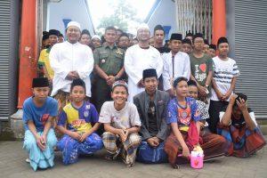 Kyai, Santri, dan TNI Satukan Hati